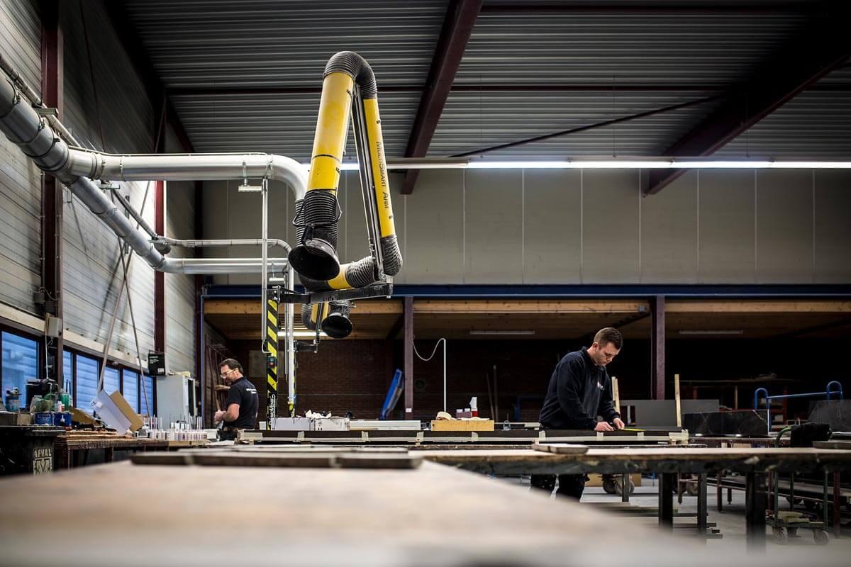 Grillo Natuursteen fabriek vakmensen ambacht