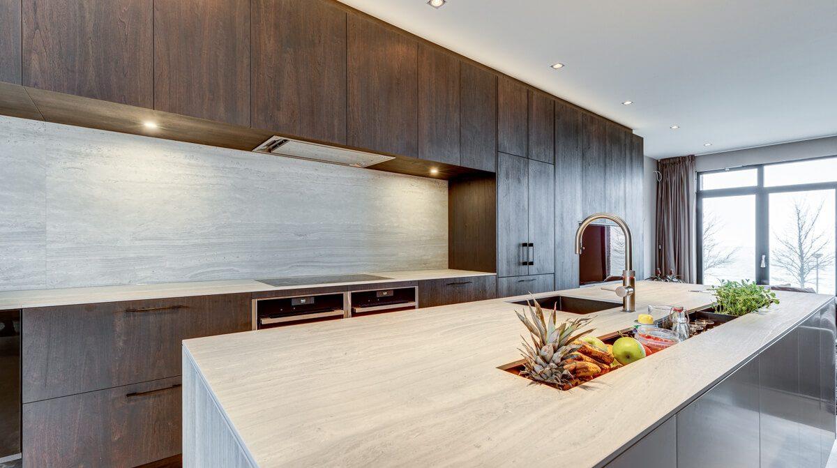 Keramisch werkblad in particuliere keuken grillo natuursteen b v