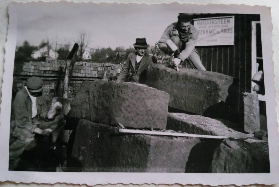 historie-grillo-natuursteen-oude-foto-steenhouwers-ambacht