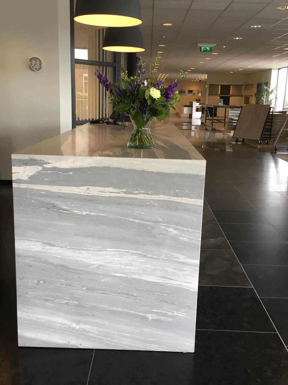 Marmeren balie platen maatwerk Grillo Natuursteen