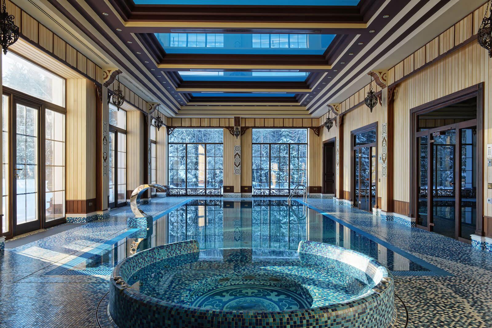 Mozaiek tegels in luxe wellness ruimte